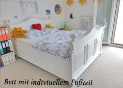 weises landhausbett interior design und m bel ideen. Black Bedroom Furniture Sets. Home Design Ideas