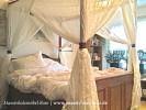 Bett mit Baldachin und Schubladen Himmelbett