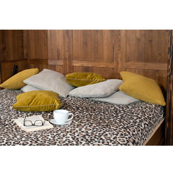 Klappbett und Wandbett aus Holz