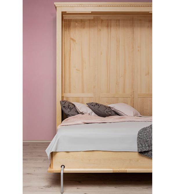 Klappbett aus Holz