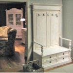Flur-Garderobe Landhausmöbel in Antik weiß
