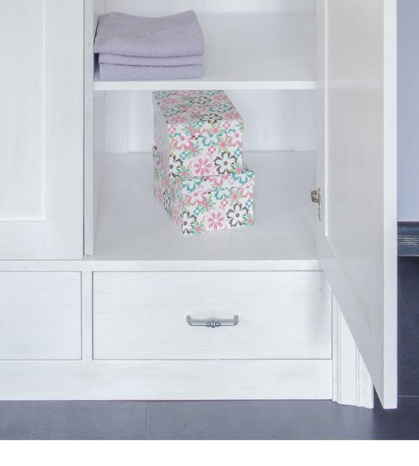 kleiderschrank 3 t rig ohne spiegel schubladen optional massiv aus holz. Black Bedroom Furniture Sets. Home Design Ideas