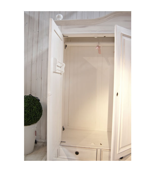 landhaus kleiderschrank 2 t rig mit spiegel massiv aus holz. Black Bedroom Furniture Sets. Home Design Ideas