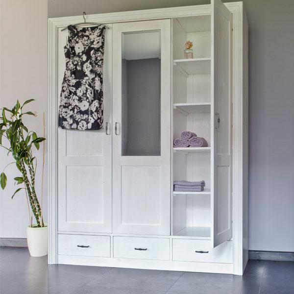 Kleiderschrank 3-türig mit Spiegel