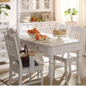 Landhaus Esstisch in Alt weiß leicht gewischt shabby chic