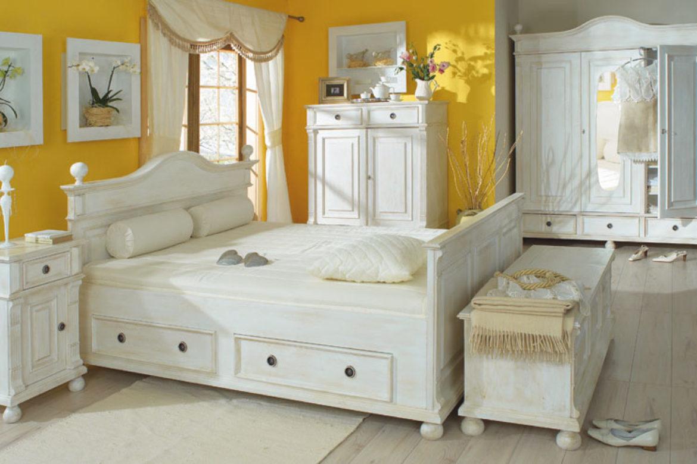 landhausbett so einzigartig wie sie selbst massiv aus holz. Black Bedroom Furniture Sets. Home Design Ideas