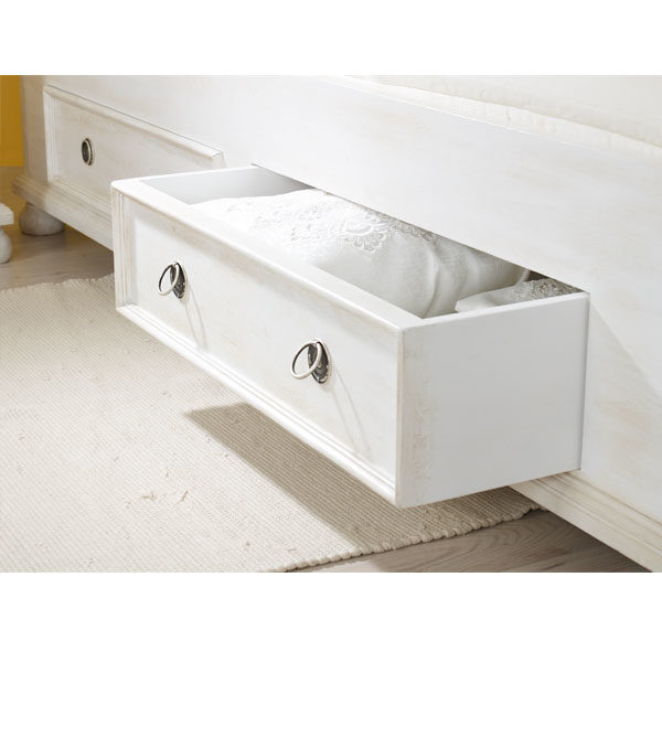 Landhausbett mit Schubkasten in Weiß gewischt