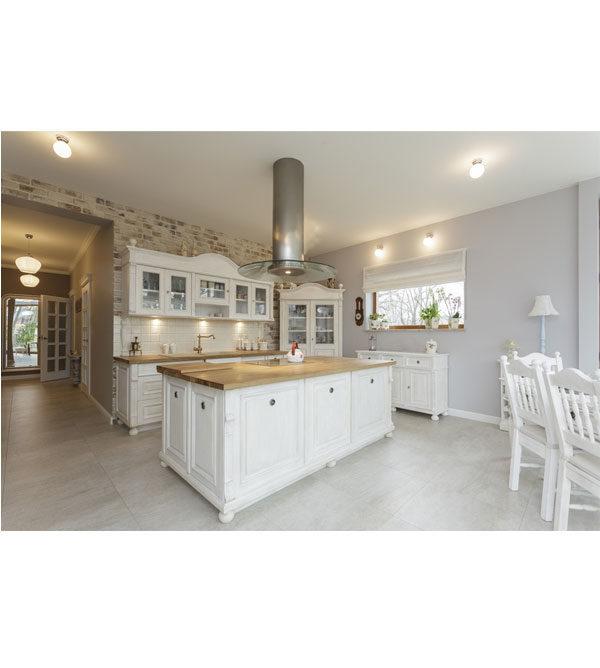 Landhausmöbel Küche in Weiß