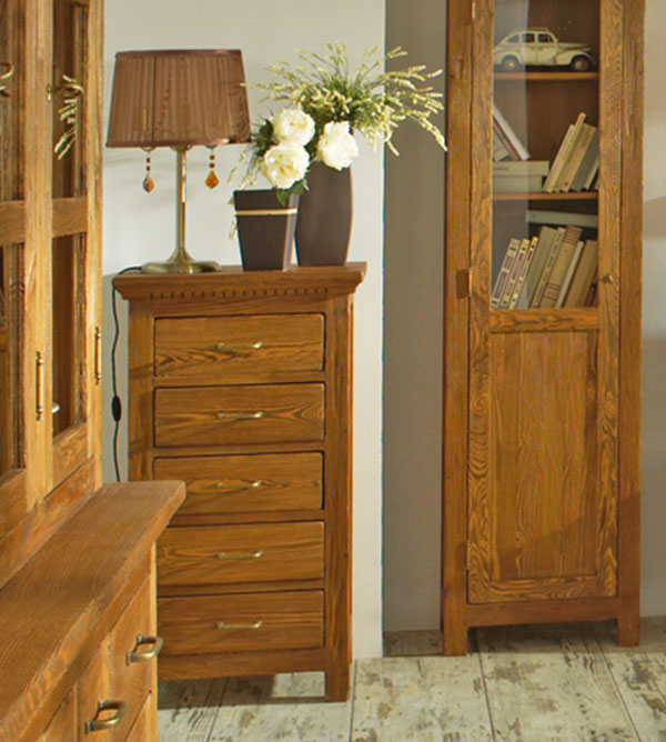 highboard klein klassisch mit 5 schubladen massiv aus holz. Black Bedroom Furniture Sets. Home Design Ideas