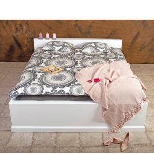 Massivholzbett 180x200 cm modern schlicht minimalistisch
