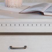Massivholztisch mit Schubladen Esszimmermöbel