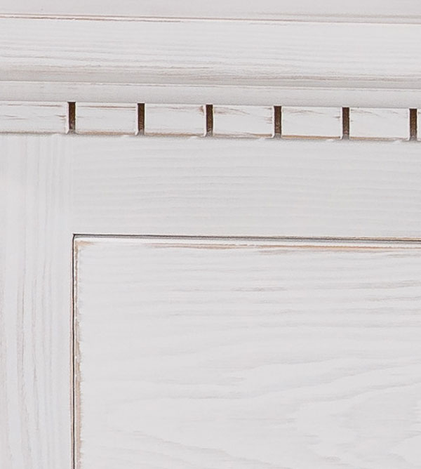 vitrine mit glast r gro klassisch massiv aus holz. Black Bedroom Furniture Sets. Home Design Ideas