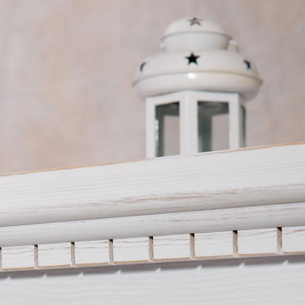 Weiße Vitrine Massholzmöbel