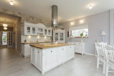 Homestory über moderne Landhausküche