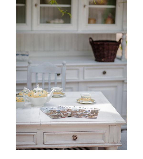 landhaus tisch 140x200 cm 2 schubladen farbe alt wei massiv aus holz. Black Bedroom Furniture Sets. Home Design Ideas