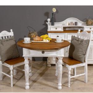 Runder Tisch im Landhausstil