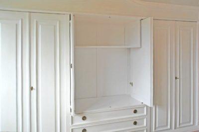 Ein bisschen ausgefallen darf es sein – Schrank mit Schwenktüren