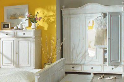 Der Kleiderschrank im Landhausstil – märchenhaft im neuen Design