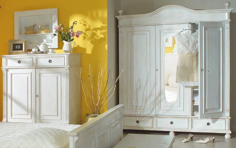 Der Kleiderschrank im Landhausstil