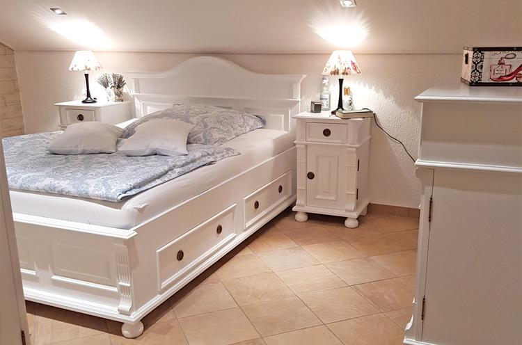 Bett in Überlänge Tiefe 220 cm