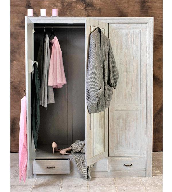 Großer Kleiderschrank 3-türig in Farbe Grau Platin gewischt shabby chic