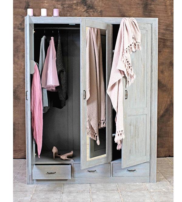 3-türiger Kleiderschrank, dunkelgrau gebürstet und gewischt im Shabby Chic Stil