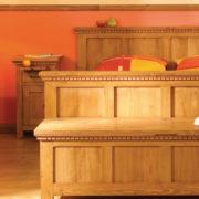 Massivholz Bett in Naturwachs