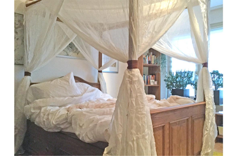 Himmelbett im Landhausstil gebaut für die Ewigkeit