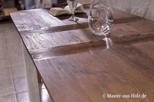 ausziehbarer Küchentisch groß mittige Platte aus massivem Holz