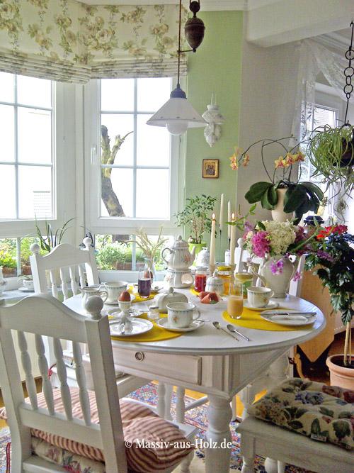Ovaler Tisch mit Schubladen