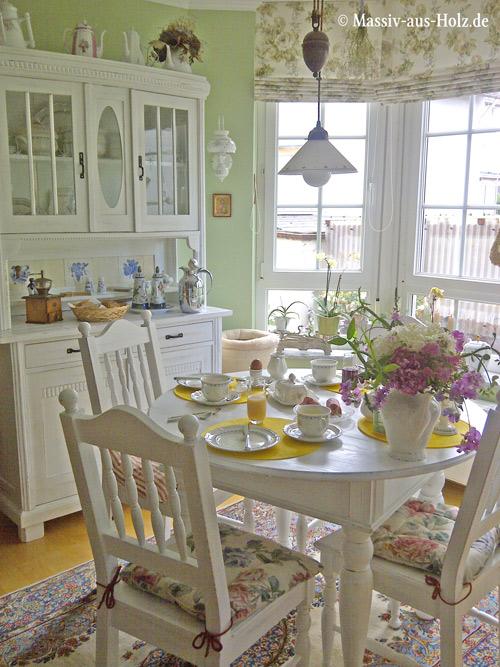 neue gesellschaft im esszimmer runder tisch mit schubladen massiv aus holz. Black Bedroom Furniture Sets. Home Design Ideas