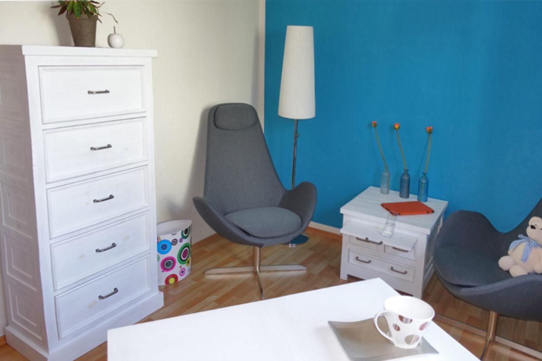 Urbaner Wohnstil – weiße Kiefernholzmöbel