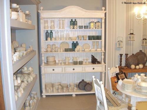 Individuelle Ausstellungsmöbel Ladenausstattung im Landhausstil