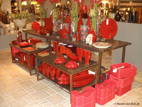 Möbel nach Maß, Holz braun. Verkaufsregale, Ladeneinrichtung, Verkaufsschränke