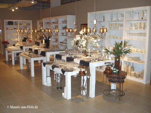 Ausstellungsregale in Antik weiß, massives Kiefernholz