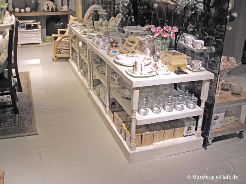 Möbel nach Maß, Holz weiß. Verkaufsregale, Ladeneinrichtung, Verkaufsschränke