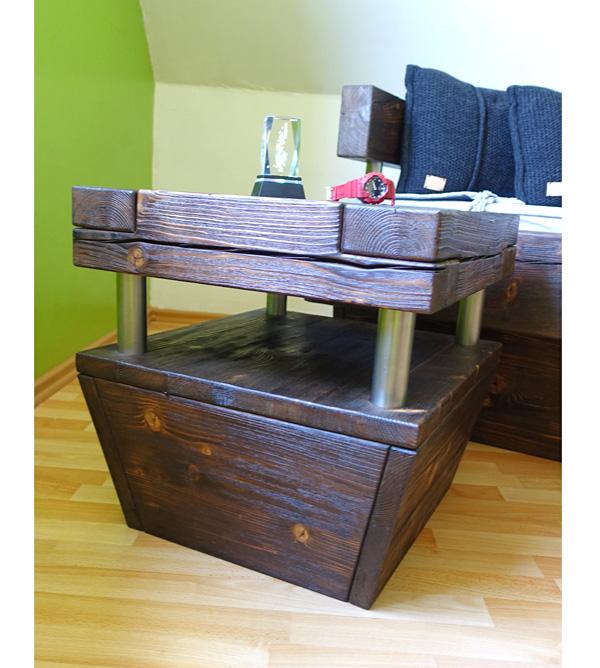 Wohnzimmertisch aus balkenholz mit ablage farbige einlage massiv aus holz - Wohnzimmertisch dunkelbraun ...