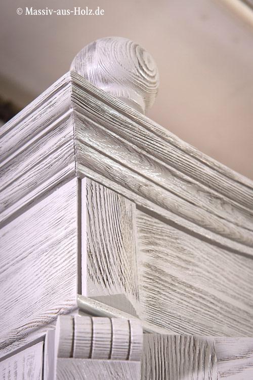 Massivholzmöbel in Grau rustikal gebürstet, shabby chic gewischt