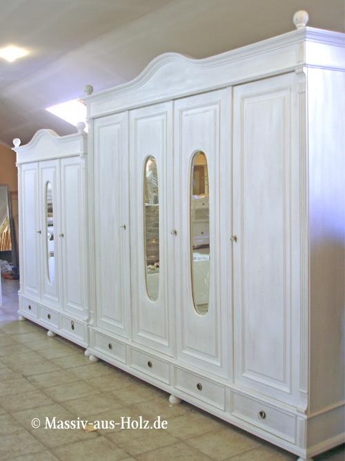 Große Kleiderschränke mit Spiegel individuell hergestellt nach Wunsch