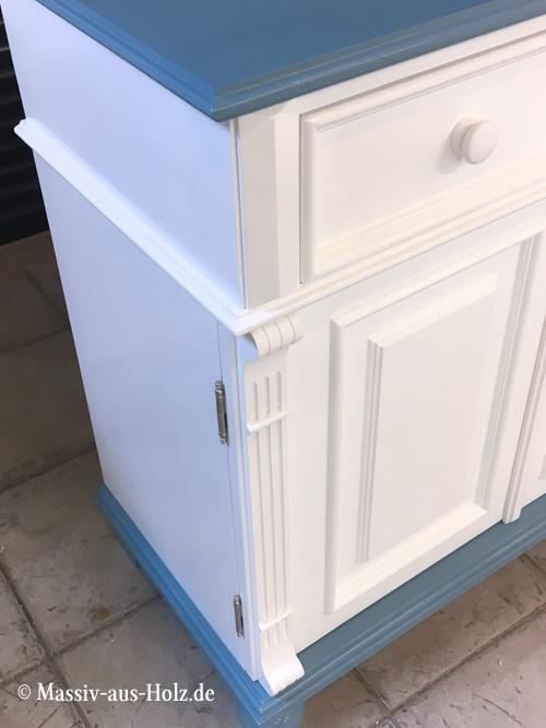 Landhausschrank 2-farbig Pastellblau RAL 5024 - Weiß