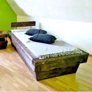 Balkenbett 200x200 cm aus massivem Kiefernholz rustikal