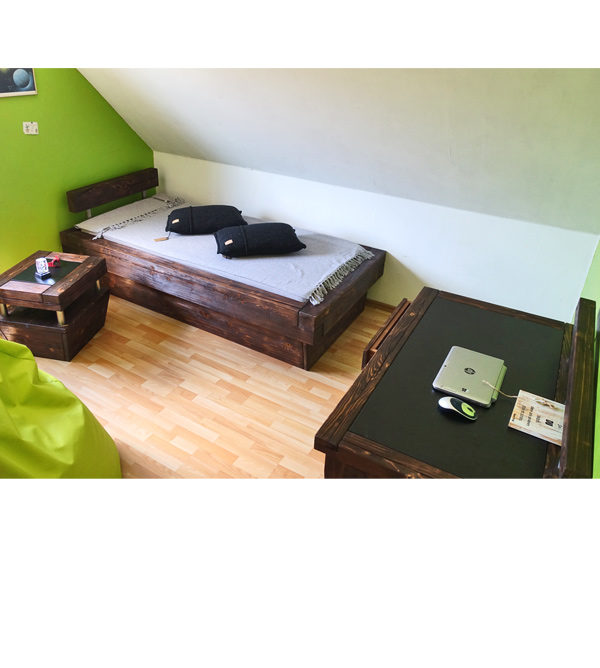 Jugendzimmer - Massivholzmöbel
