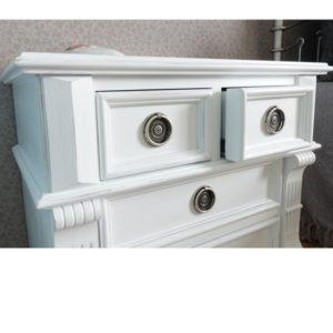 Nachttisch mit Schubladen in Weiß