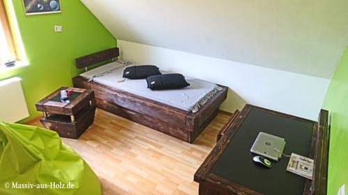 Jugendzimmer - Massivolzmöbel im Urban Look, modern dunkelbraun