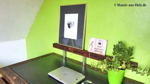 Schreibtisch im Jugendzimmer - dunkelbraun aus Massivholz