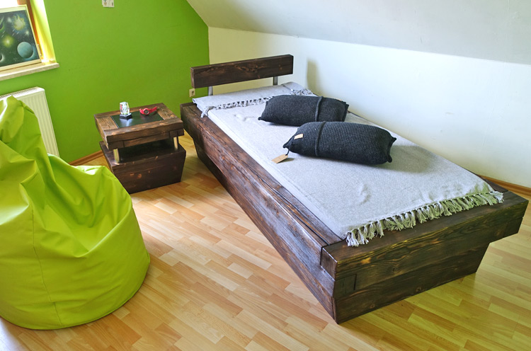 m bel im industriedesign ein look aus holz metall massiv aus holz. Black Bedroom Furniture Sets. Home Design Ideas