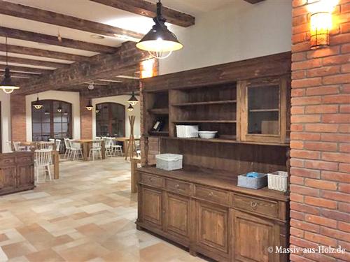 Buffetschrank im Cottage Style in Naturwachs für Restaurant