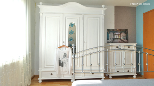 Weiße Schränke Im Landhausstil   100% Gemütlichkeit Im Schlafzimmer