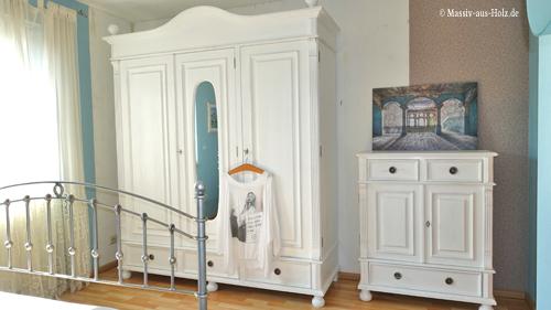 Kleiderschrank Und Sideboard Im Landhausstil Schaffe Pure Gemütlichkeit Im  Schlafzimmer