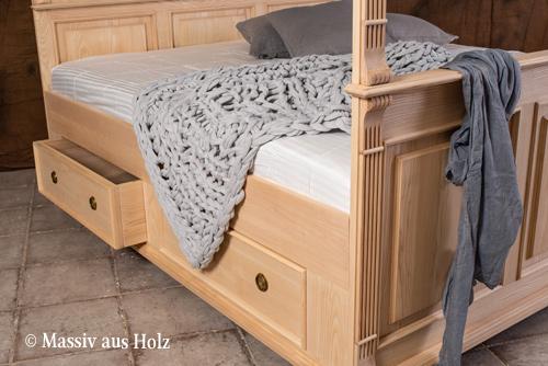Himmelbett aus Eschenholz mit Schubladen 180x200 cm